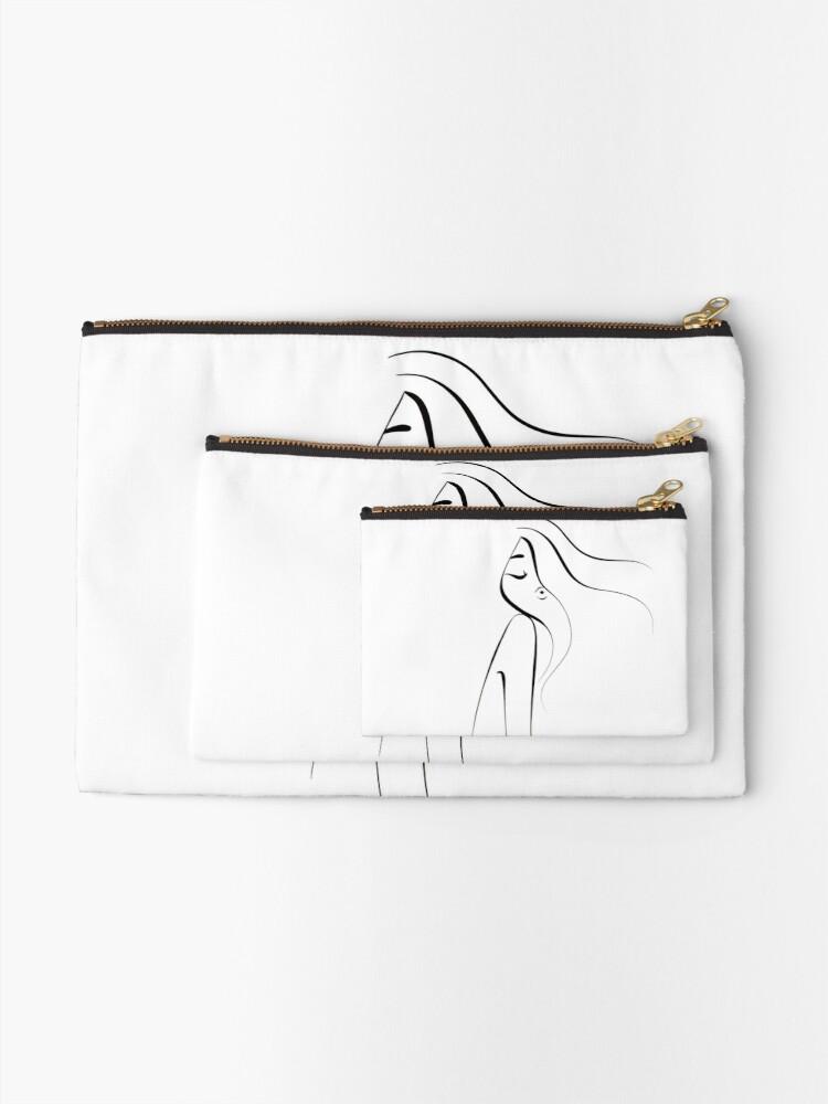 black-AND-white-woman-aesthetic-art-illustration-paula-romani-shop-product.